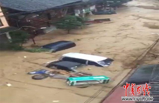 湖北黄冈受灾群众超过百万,局部交通通讯中断