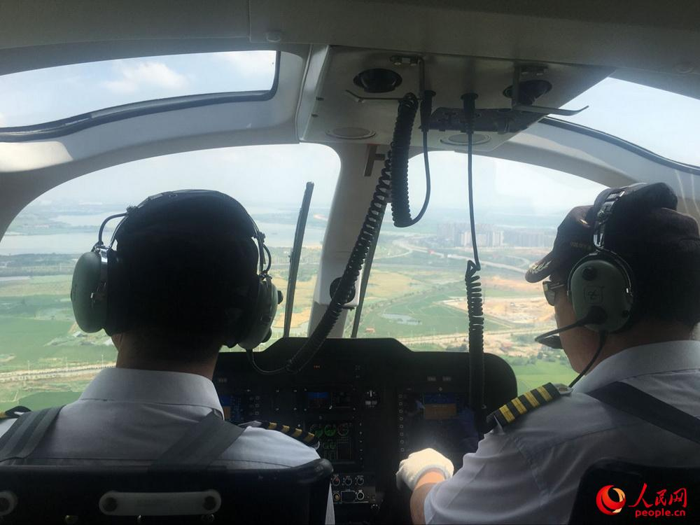 AC311A型直升机舱内。邱越摄