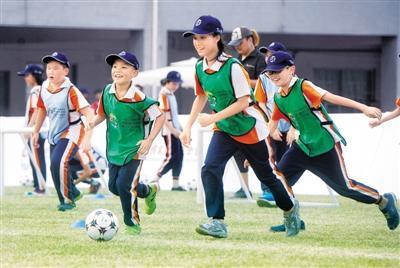 广州番禺将选拔40名足球小将赴英国专业培训