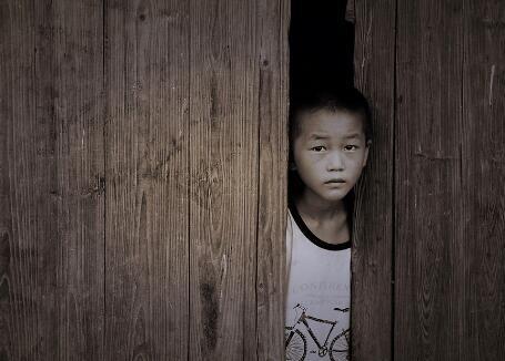 留守儿童成校园暴力施暴者和犯罪易感群体 谁来护佑