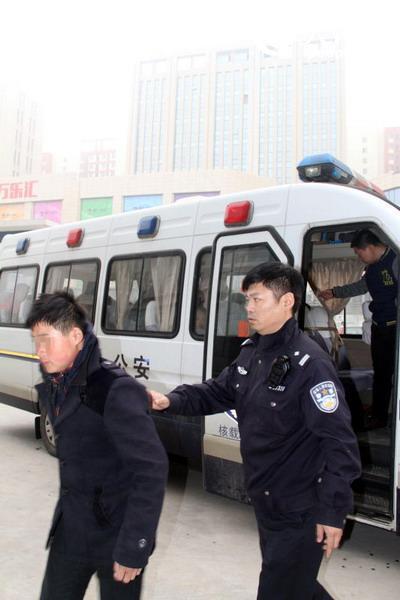 天津警方端掉10余传销窝点 将68名传销人员堵在屋内