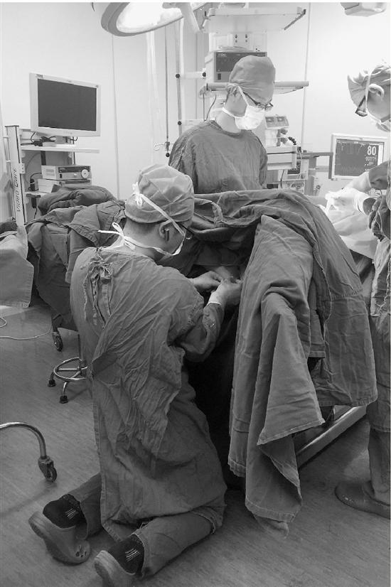 一个外科医生究竟有多忙 来看看他昨天一天日程表