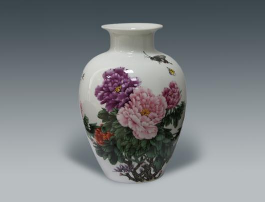 何叔水陶瓷作品《富贵春》