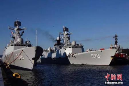 2016年12月,中国海军舰艇编队时隔十年后重访加拿大