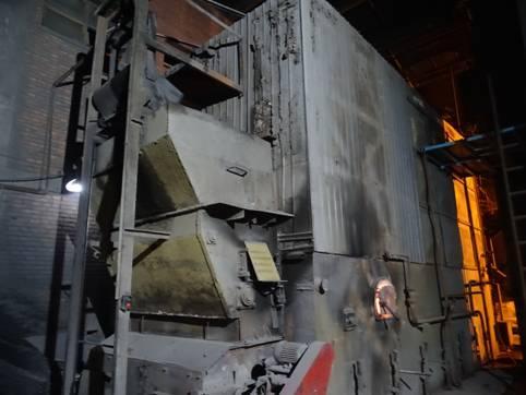 塑胶厂燃煤小锅炉正在运行