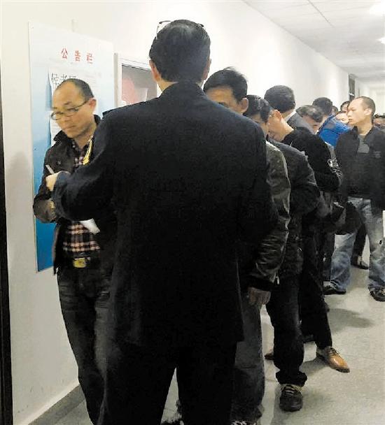 杭州网约车新政过渡期满后 网约车考试场场爆满