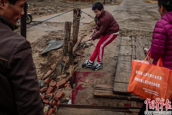 北京就在河对岸:进京多村民 摆渡人自称两地综合品