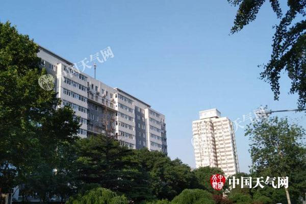 北京今天将以闷热为主 明天雨来变凉爽