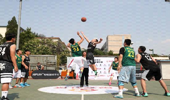 """北京篮球联赛启动 百余球队决战""""紫禁城""""之巅"""