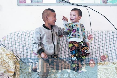 河南6岁半小男子汉:要好好照顾奶奶和弟弟