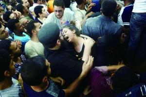埃及正规棋牌大巴遇袭空袭IS回击 目前未有组织认领