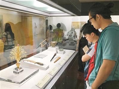 台北故宫珍藏器物讲述蒙回藏故事