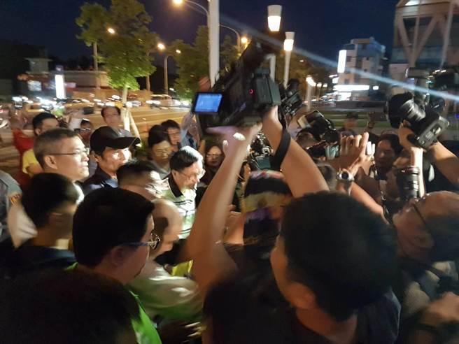 台媒2名记者在采访陈水扁出席音乐会途中钱包被偷