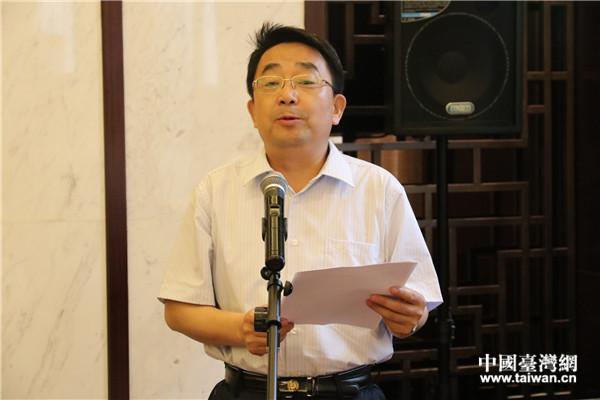 甘肃省台办主任王锋致辞欢迎台湾摄影家。(中国台湾网 刘燕莱 摄)