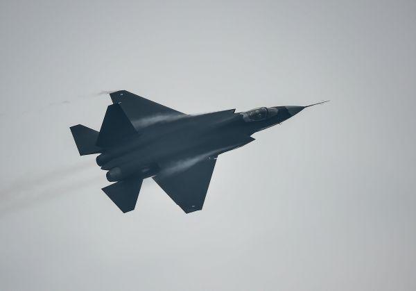 台媒关注歼-31将首次亮相巴黎航展