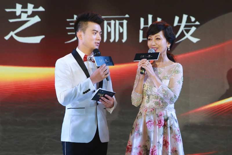 """刘孟哲赞赵雅芝""""女神"""":她是优雅美丽的化身"""