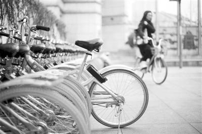 """摩拜单车完成6亿美元融资共享单车行业开始""""清场"""""""