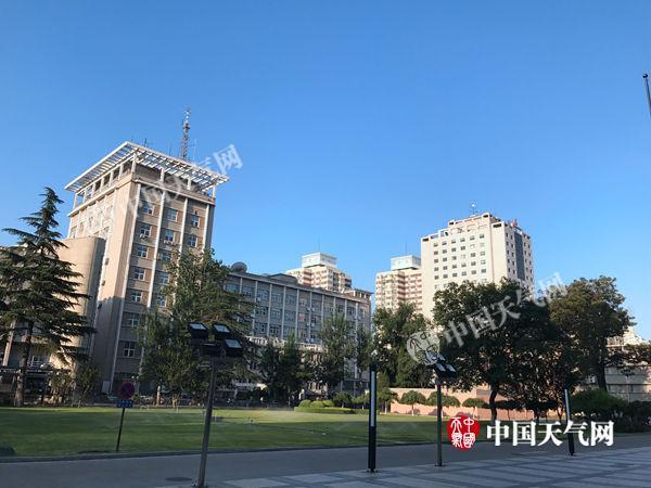 北京昨日现41℃高温今起湿度升高闷热加剧