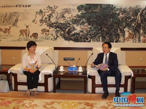 中国侨网国务院侨办副主任谭天星在北京会见美国华人妇女联合会访问团一行。