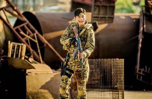 张翰电影《战狼2》表现获赞:只在乎突破