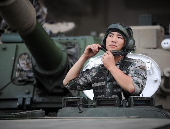 """一名装甲尖兵的""""士兵突击"""":兵龄最短的特级驾驶员"""