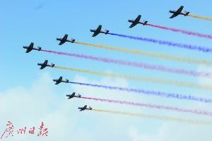 中国空军三大飞行表演队奉献视觉盛宴