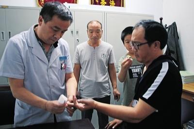 台湾张宏义来河南寻亲 已和淮阳疑似堂哥做了DNA鉴定