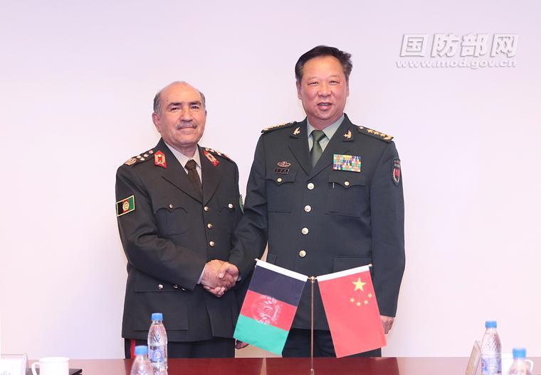 李作成会见阿富汗国民军总参谋长