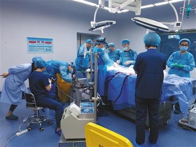 中国首例人体冷冻:用防冻剂置换血液手术持续55小时