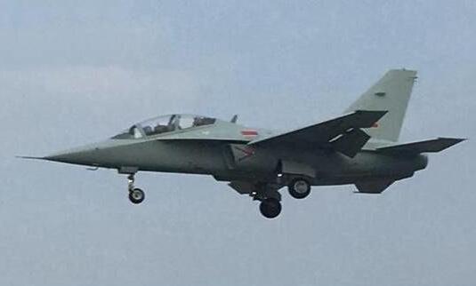 外媒:中国海军版JL-10已服役 或将打造舰载型