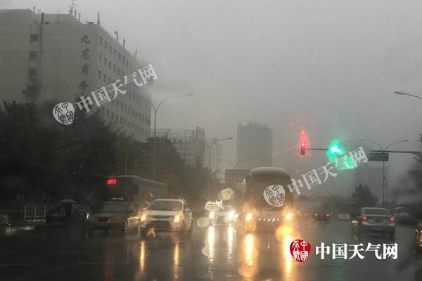 北京雨水将持续至明天 本周气温将持续低迷