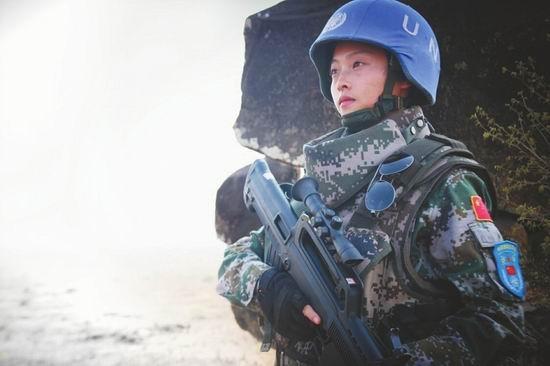 """成都妹子非洲维和 赴南苏丹1年荣获""""和平荣誉勋章"""""""