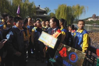 北京颐和园明年试点取消纸质票 将实现购票网络化