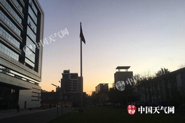 北京今天有6级大风最高气温仅11℃ 周六将更冷
