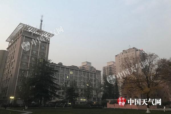 今夜冷空气消霾 明天北京阵风6级夜间最低温降至-5℃