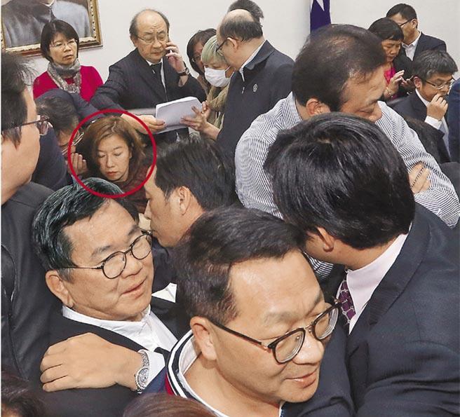民进党强势通过劳基法草案