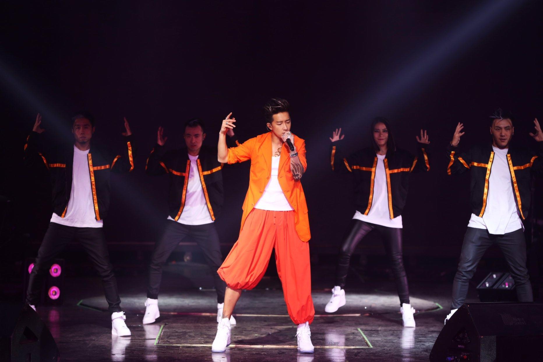 韩庚任街舞节目明星队长:舞蹈是生命一部分