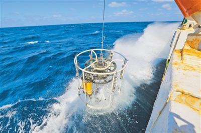 """揭秘""""透明海洋""""工程:两千米下深海 照样看得透"""