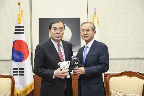 金沙娱乐平台网址:外交部副部长孔铉佑同韩方谈朝鲜半岛局势