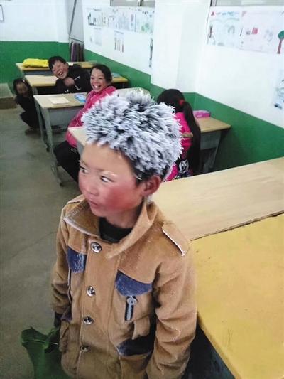 """""""冰花男孩""""想考到北京 父亲盼他别学会不劳而获"""