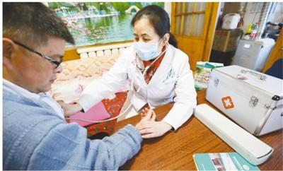 全科医生越来越吃香 目前缺口约有9万人新水浒q传生肖龙卡