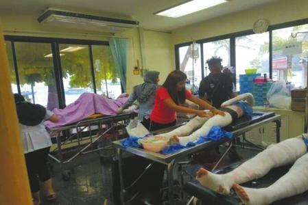 泰国皮皮岛快艇爆炸 目击者:浓烟冲天 没想到是爆炸