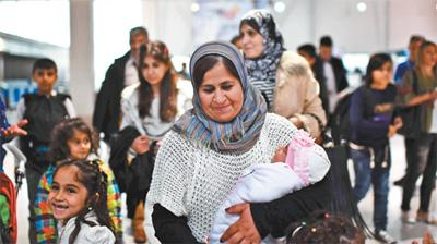 """问题未得到根本性解决 难民危机仍在""""折磨""""欧洲"""