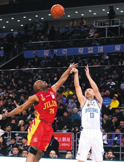 北京首钢主场108比92击败吉林 取得常规赛400胜