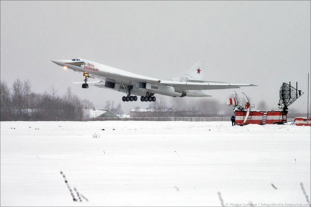 俄新型图160轰炸机首飞 普京提议可改超音速客机