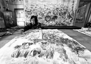 79岁画家创作《百犬图》 系王羲之后人、齐白石