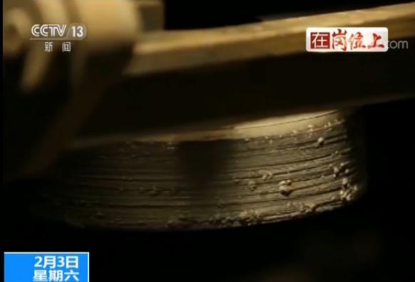 """金沙娱乐澳门网址:新春走基层:铁路""""磨轨""""小分队的日与夜"""