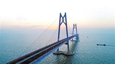 社会新闻    世界最长跨海大桥港珠澳大桥主体工程交工验收会昨日在