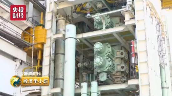 中国造出37层楼高海上巨无霸 钻井深度超最深海沟