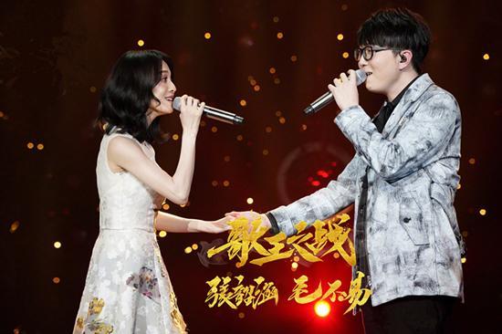 张韶涵与毛不易唱《花房姑娘》 设计有戏剧性